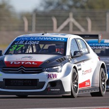Lopez clinches pole at his home track