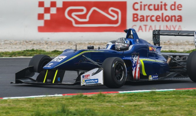 Das to race with Carlin