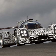 Porsche starts in Le Mans with 4 works cars