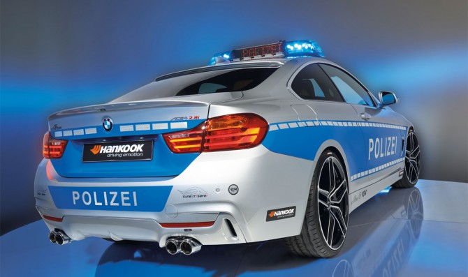 "Spengler tests the ""Tune it! Safe!"" police Bmw"