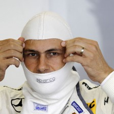 Mercedes-Benz completes driver line-up