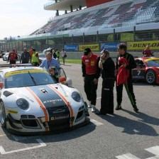 Hofor Racing leads after first hour