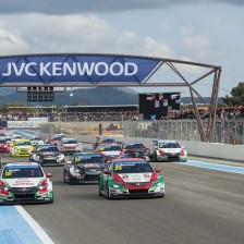 Citroen dominates its home race