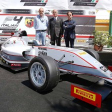 Test collettivi per la Formula 4
