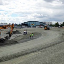 Tours Speedway adds a second banking