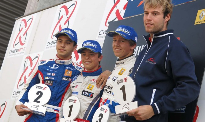 De Vries takes it all at Spa