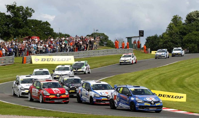Croft circuit welcomes UK Clio Cup