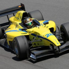 Giovesi, Pommer share wins at Monza