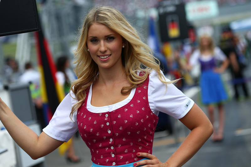 Austrian F1 Girls Press Racing