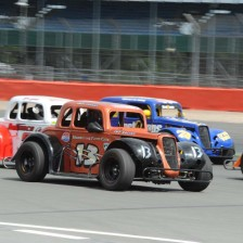 Brands Hatch hosts Legends Cars opener