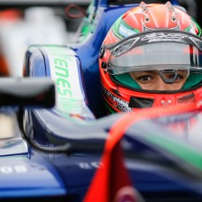 Fenestraz joins team Carlin