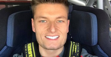 Monger will race with Carlin