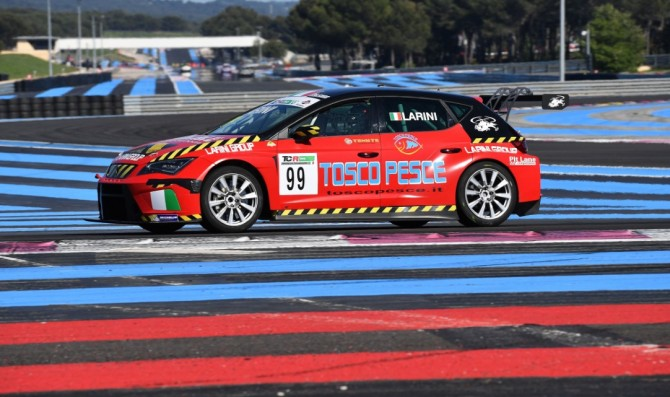 Larini vince in safety